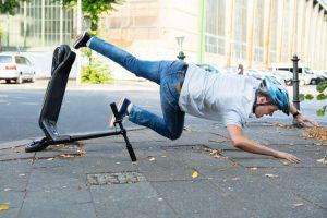 Как да караме безопасно електрическа тротинетка в града